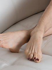 Feet Galleries